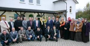 allendorf_hanim_kollari_ve_cemaatle_birarada