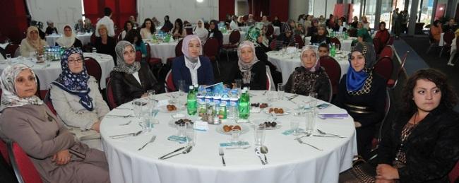 hanimlar_iftar5