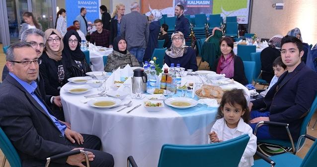 personel_iftar2015_10