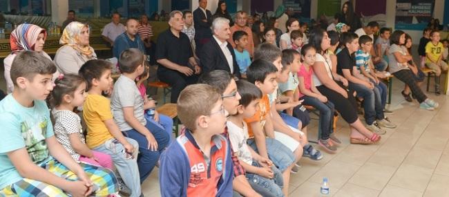 cocuklar_iftar_hacivat_karagoz_ilgisi1